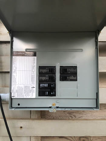 This picture shows a subpanel installation in Ventura County CA. This sub panel distributed a new circuit to a garage of a home.